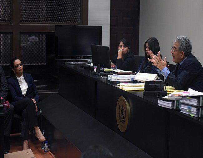 Envían antejuicio contra Pérez al congreso y procesan a Baldetti