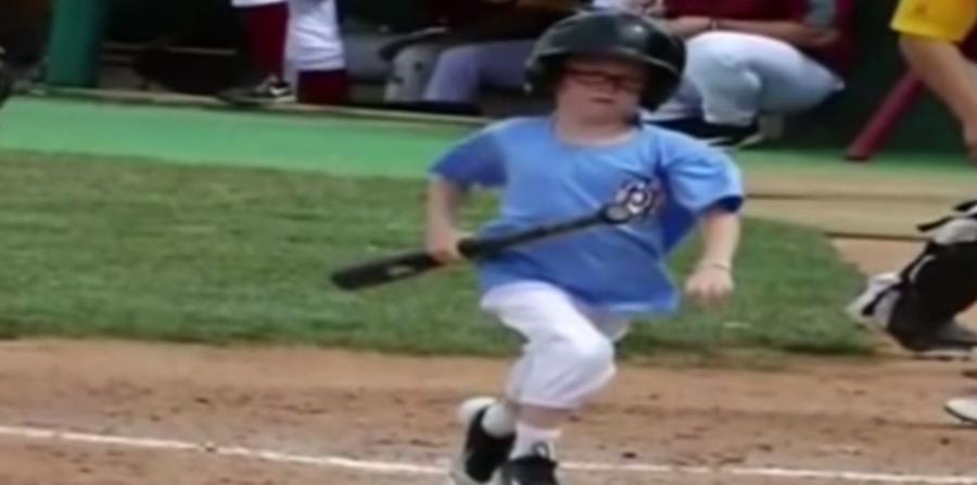 Muere niños tras ser golpeado con un bate en partido de béisbol