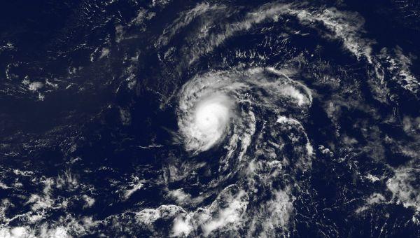 Danny se degrada a depresión tropical al llegar al Caribe
