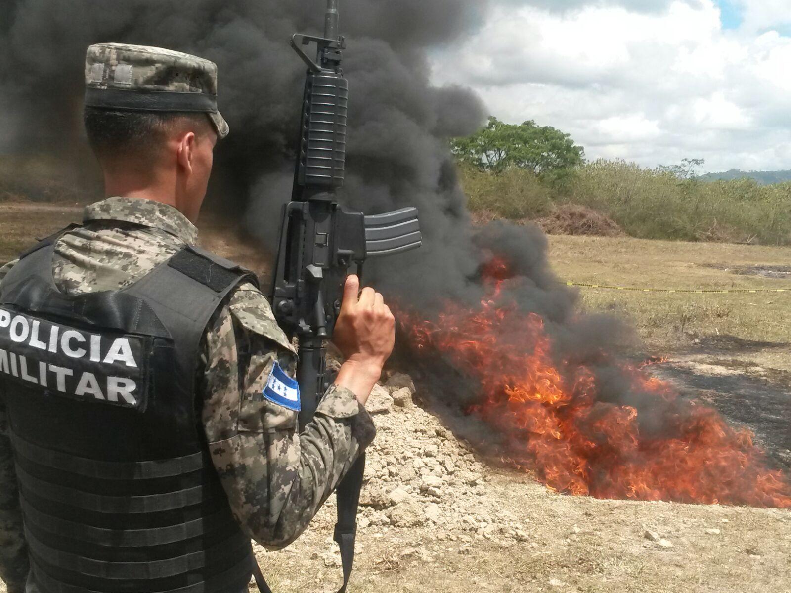 Honduras: Queman 450 kilogramos de cocaína decomisada en La Mosquitia