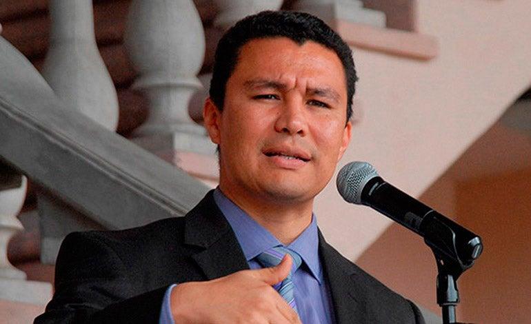 Ebal Díaz: «En transporte hay mafias que mandan a quemar buses»