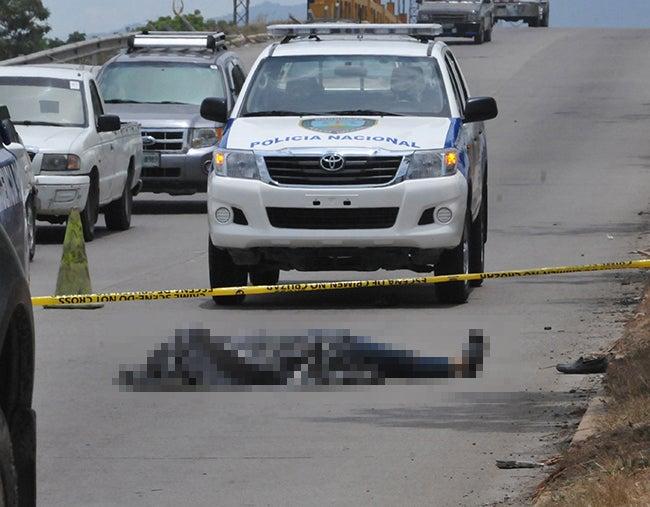 Honduras: Mata expatron y al huir es embestido por un automóvil