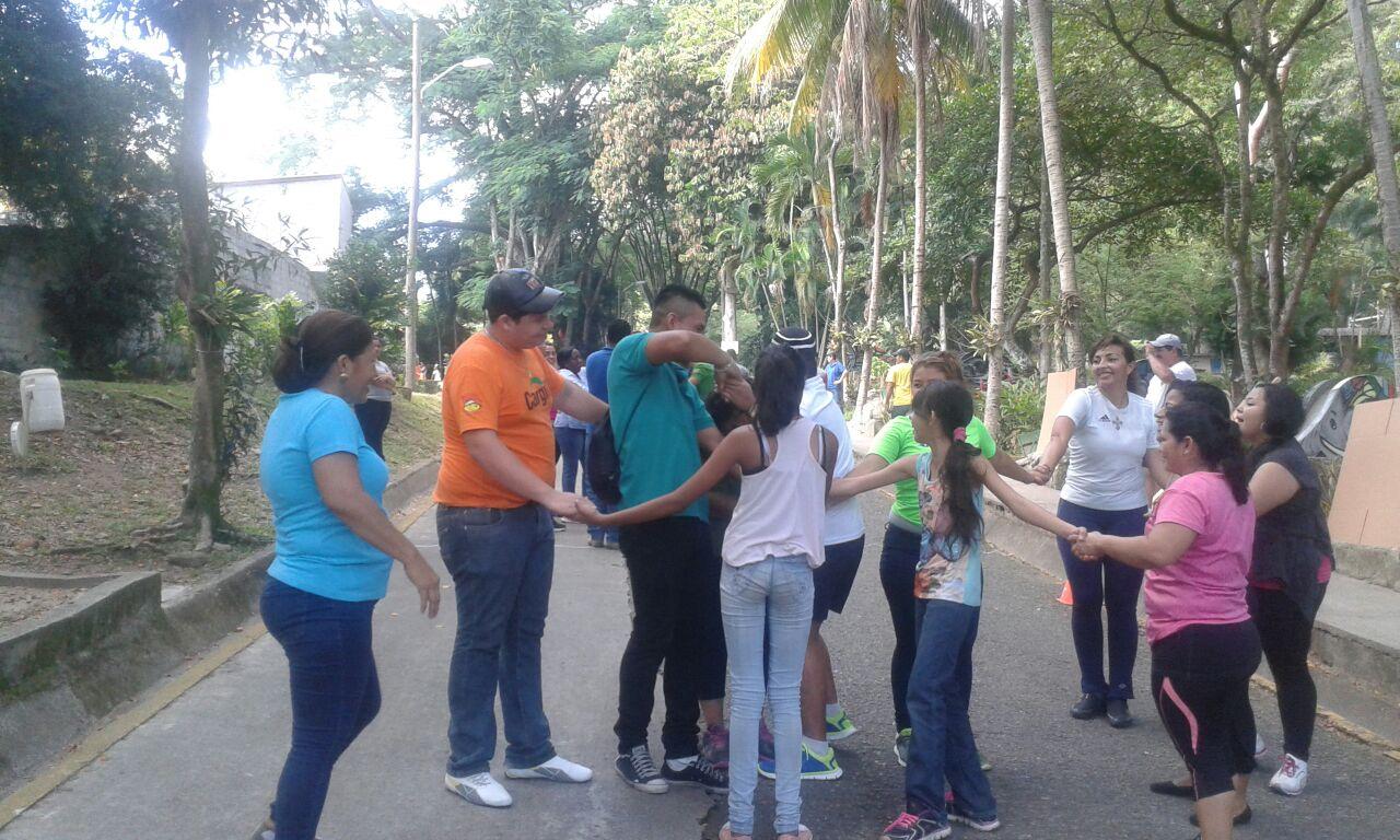 """Niños de más de 20 hogares comparten el """"Día de la Celebración"""" en parque de San Pedro Sula"""