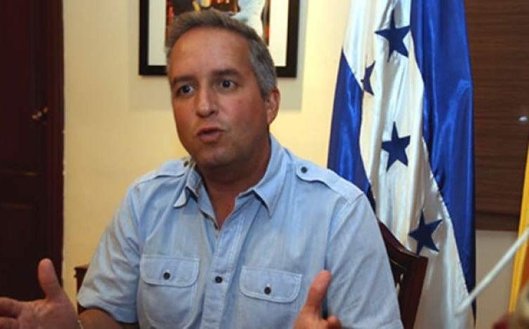 Ricardo Álvarez: «No es tiempo de política, es la hora de trabajar fuerte por Honduras»