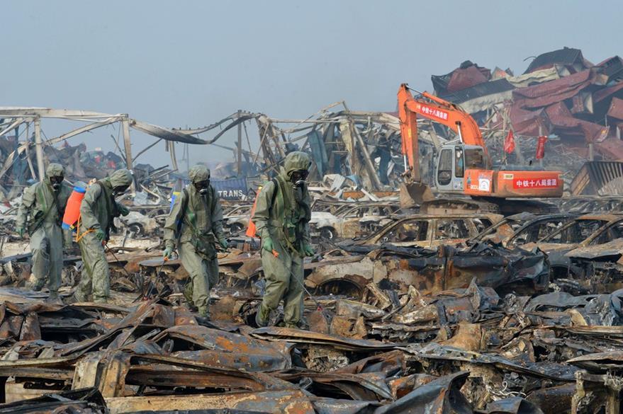 Nuevos focos de incendio en zona portuaria china devastada por explosiones