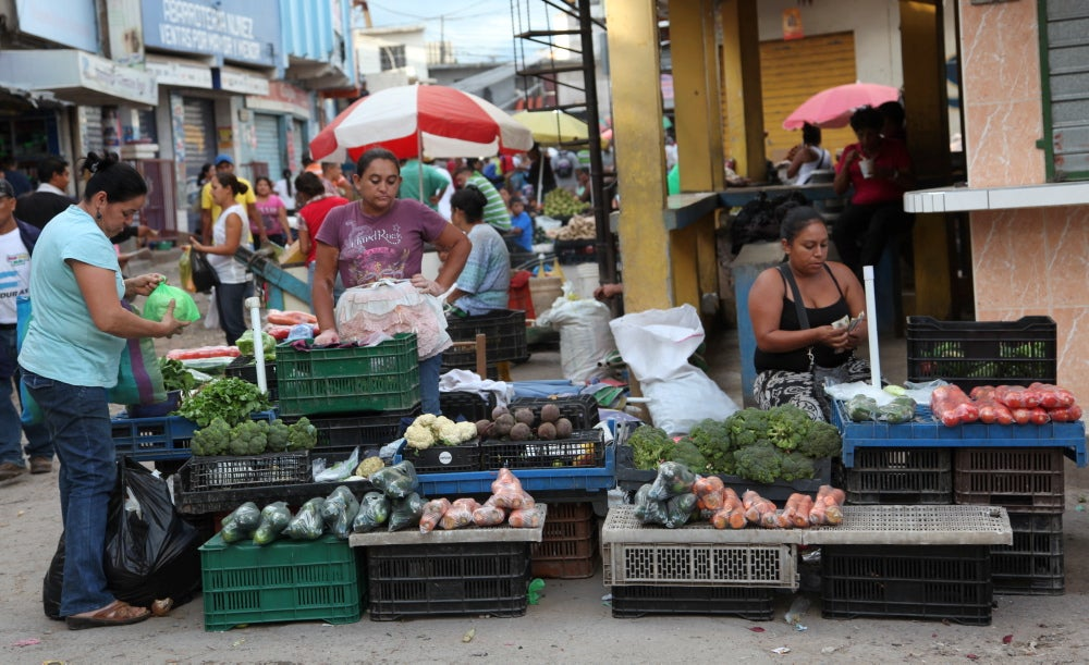 Darán permisos de operación a vendedores estacionarios de la capital