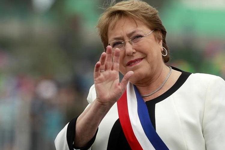 Bachelet descarta renuncia a la presidencia de Chile