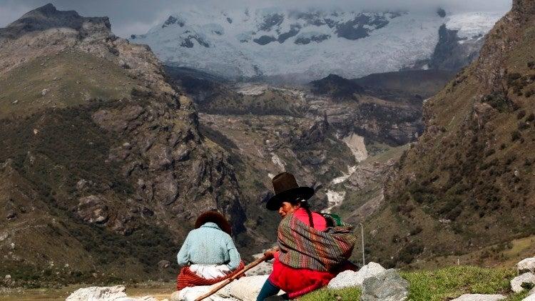 Grietas 'se tragan' 24 casas en Perú: Piden estado de emergencia