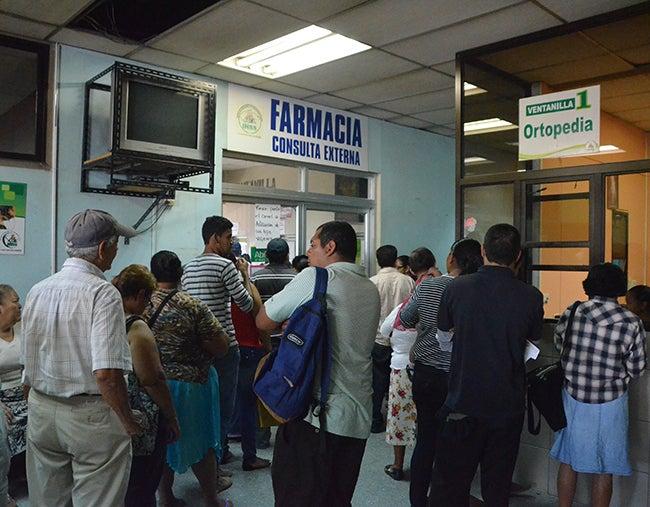"""Honduras: Empleadores y trabajadores a """"inyectarle"""" más al Seguro Social"""