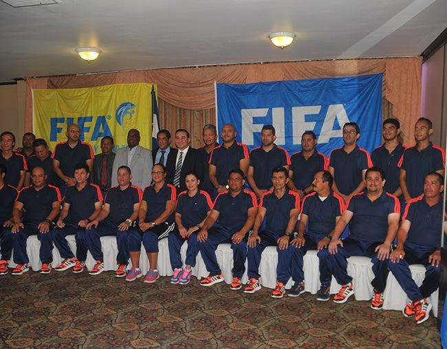 Seminario de FIFA: Preparadores físicos se capacitan