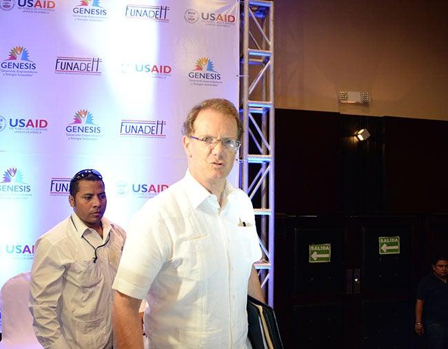 Embajador James Nealon EEUU está enfocado en dar asistencia a través del Plan para la Prosperidad