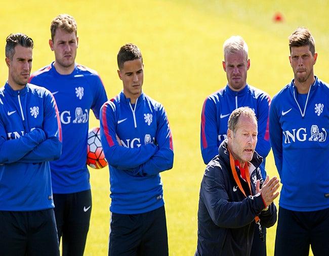 Eliminatoria Euro: Holanda sale obligado a ganar