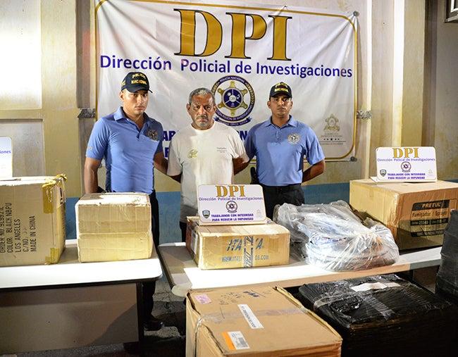 Honduras: Cae sospechoso de robar camión de encomiendas