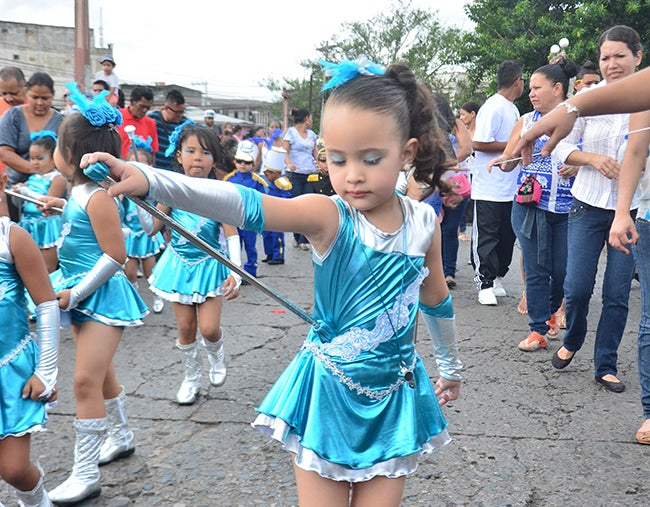 Honduras: Derroche de gracia y belleza infantil