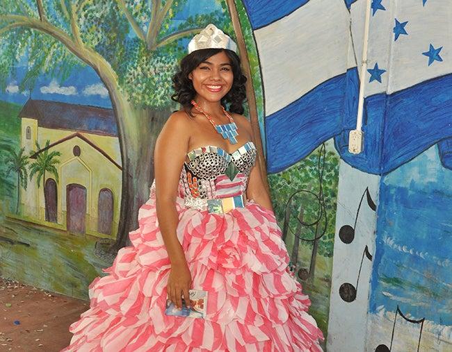 Honduras: Eligen a la Reina del reciclaje en Mezapa