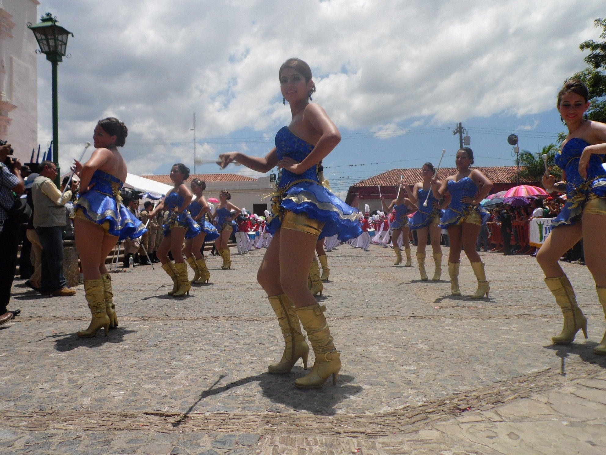 Comayagua: Derroche de patriotismo y belleza en el 194 aniversario de independencia