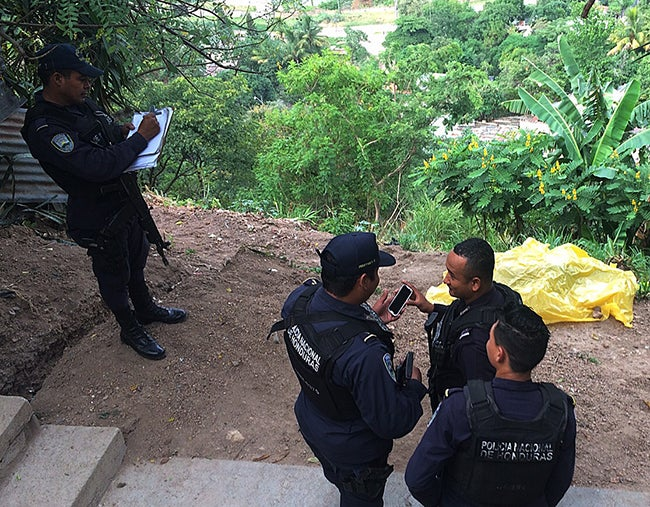 Joven desconocido: Lo matan en la San Juan