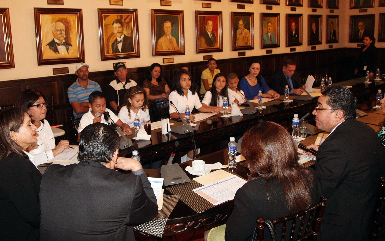 Congreso infantil: 128 diputados infantiles debaten la crisis migratoria