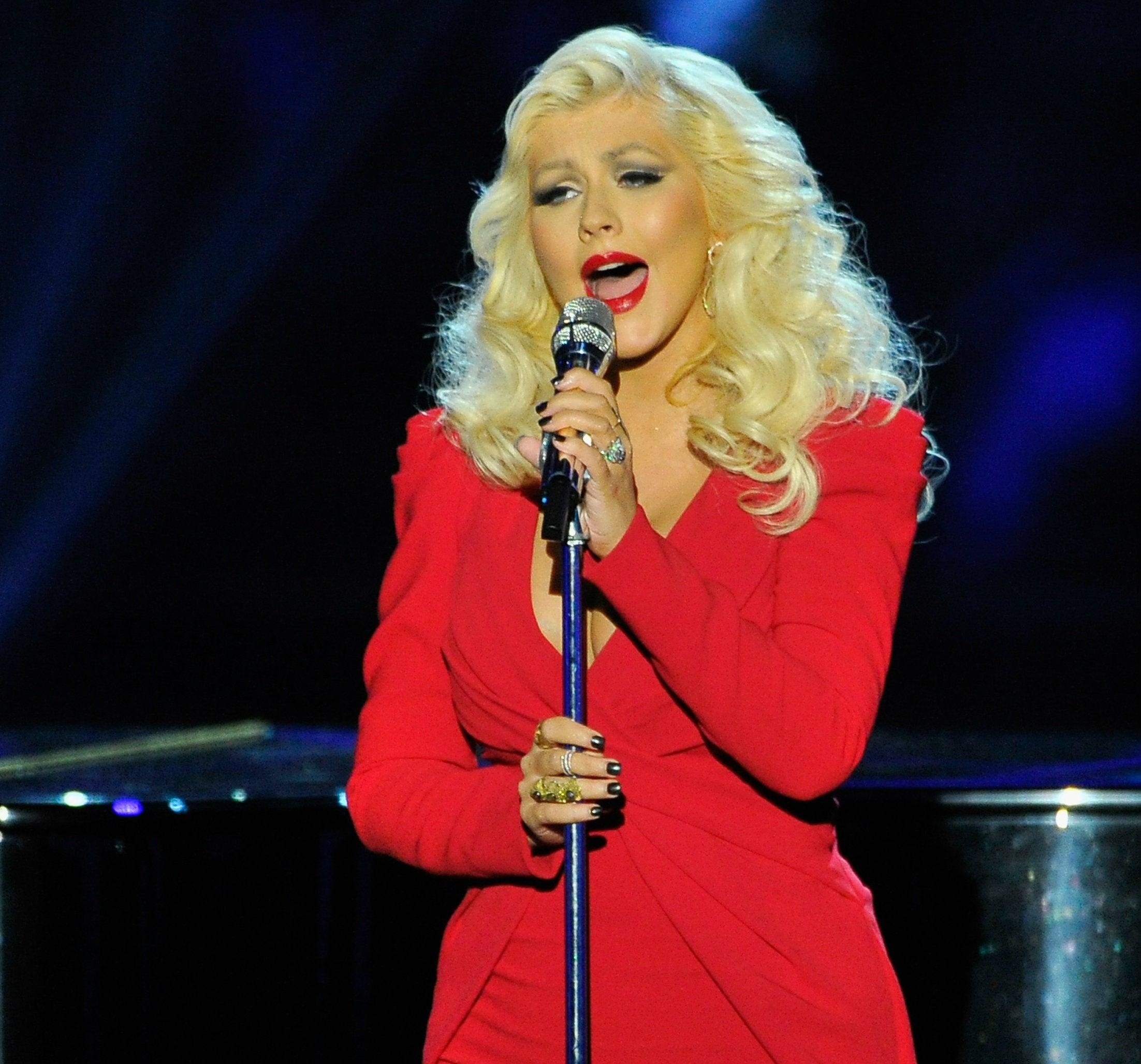 Christina Aguilera dará clases de canto por Internet