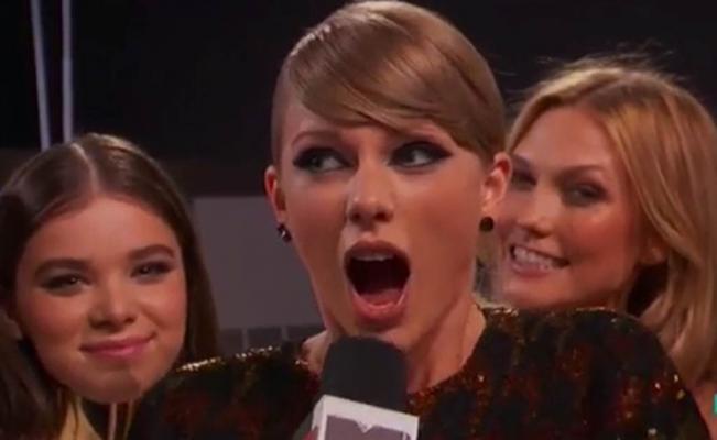 "MTV defiende a Taylor Swift, aseguran que se le ""escapó"" flatulencia en vivo"