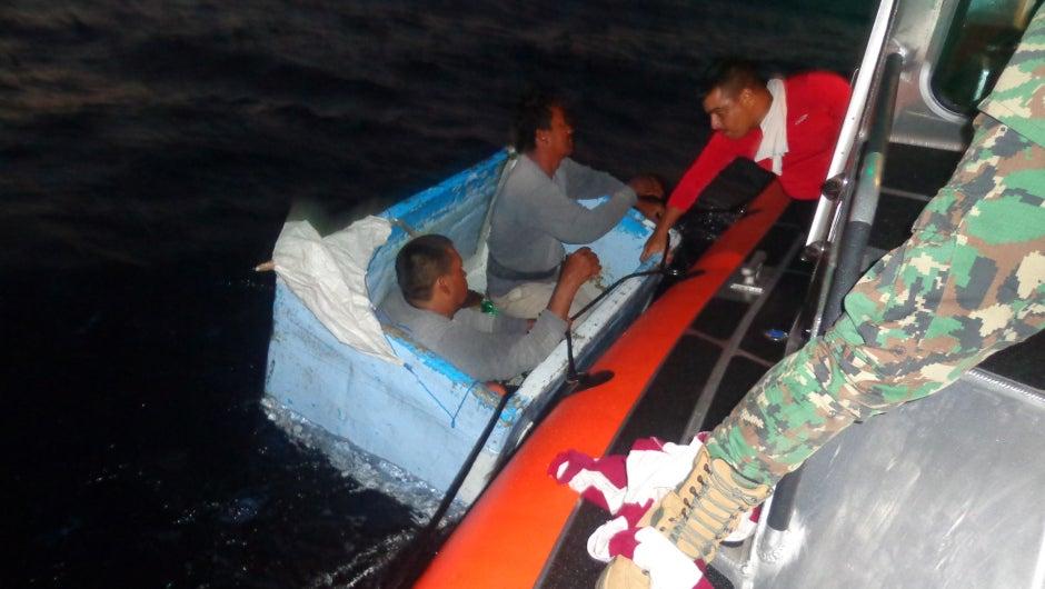 México: Rescatan a dos náufragos que sobrevivieron tres días en una nevera