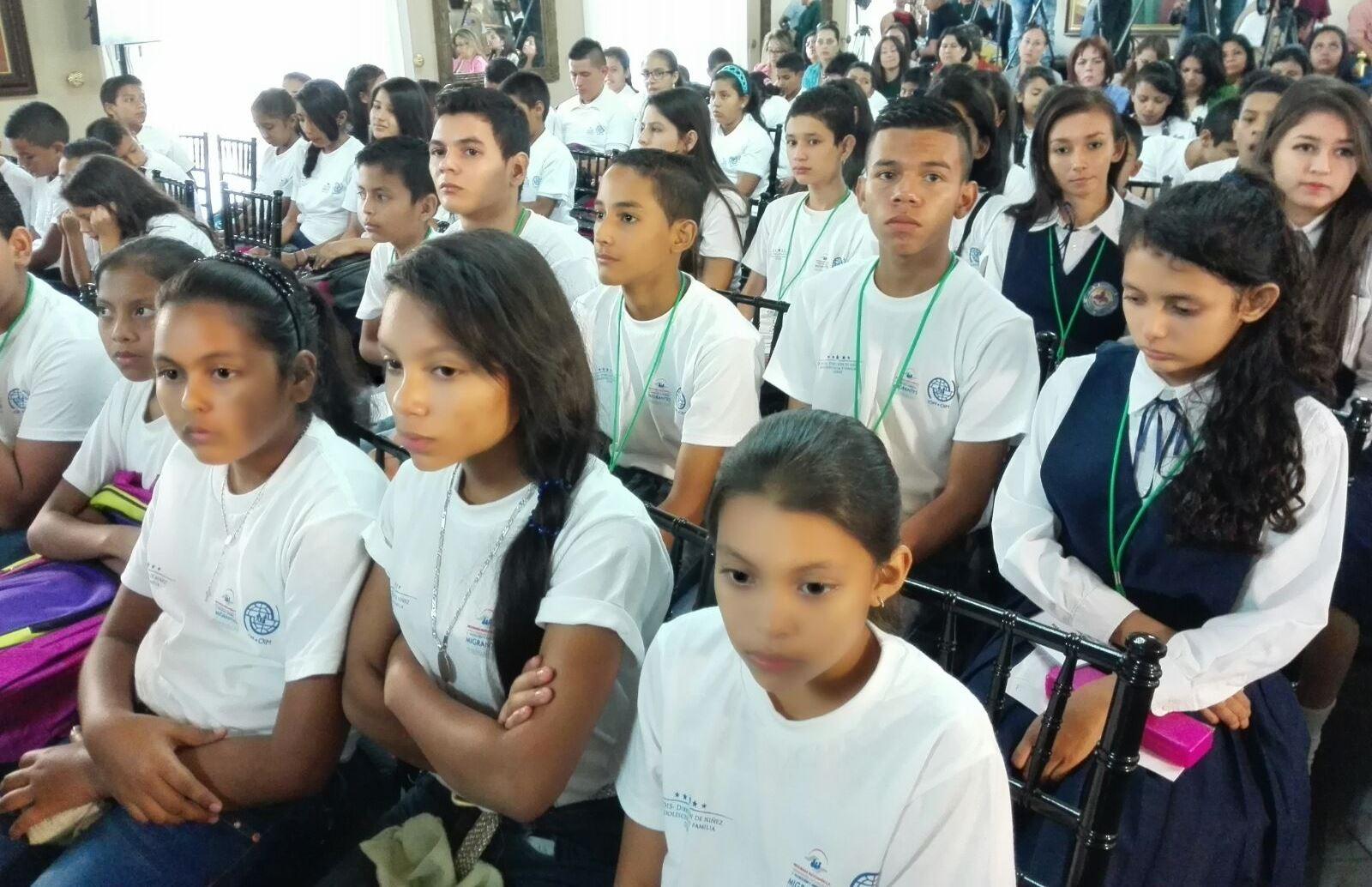 Escolares hondureños le dicen no a la migración infantil