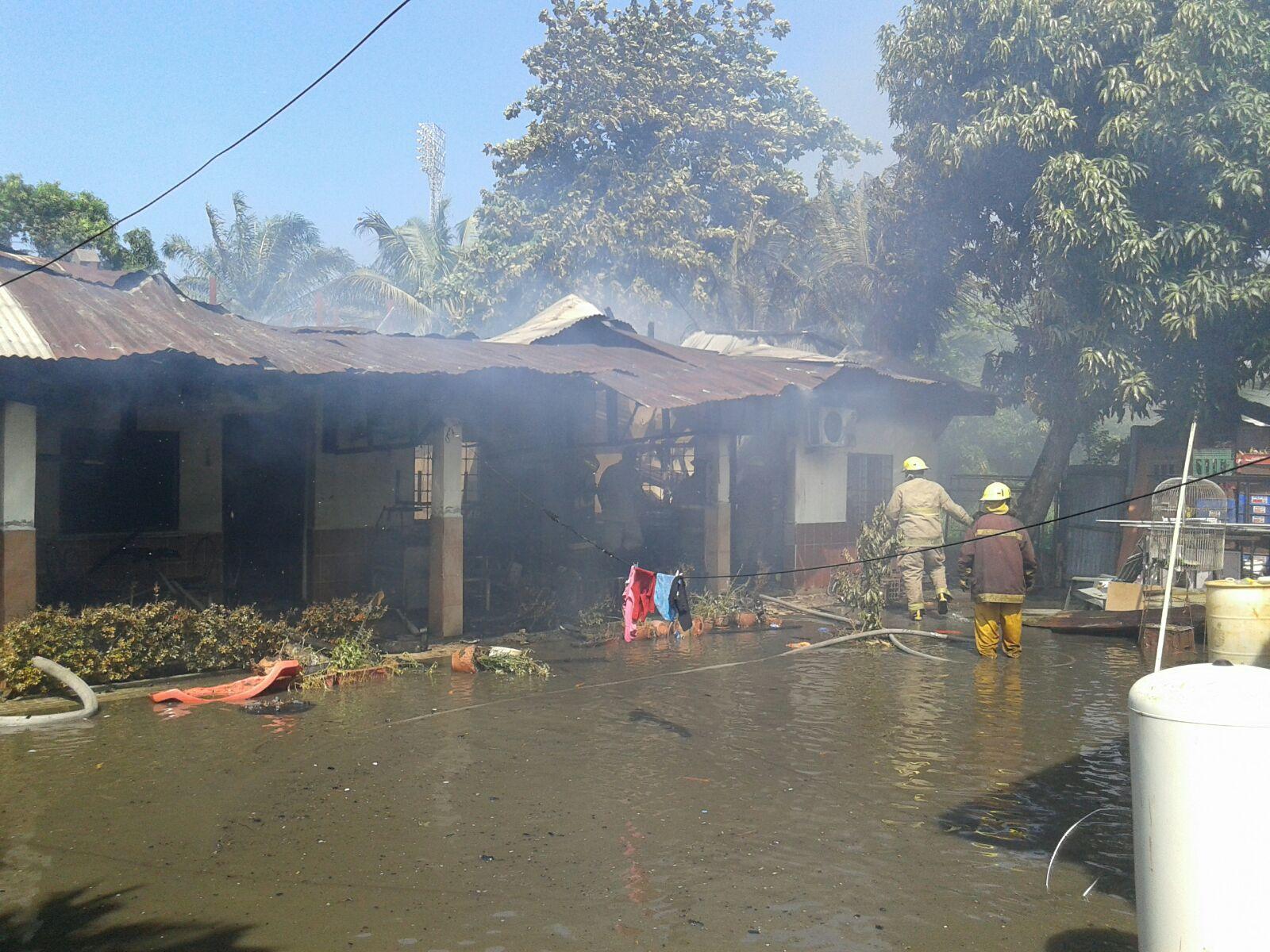 Bomberos asistieron incendio de una vivienda en Puerto Cortés