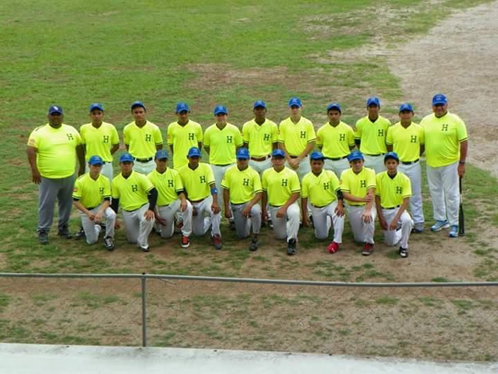 Béisbol: Preparàndose para su primer mundial escolar