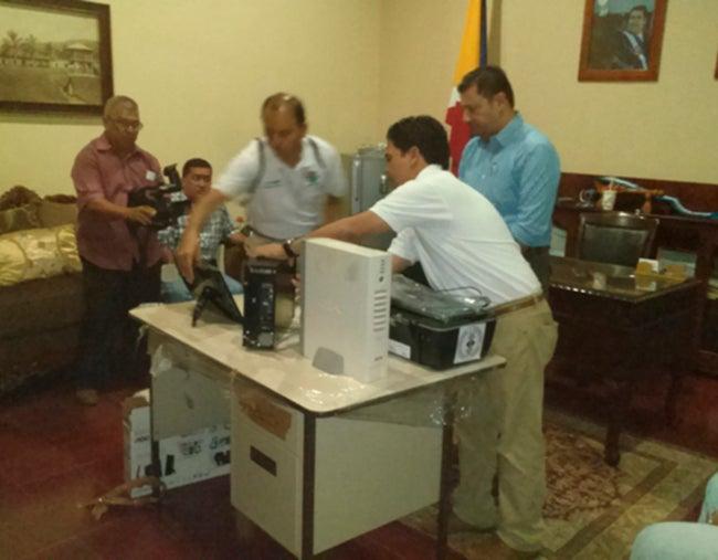 Antropología entrega equipo a Copán Ruinas