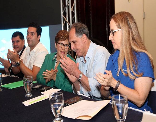 """Ciudades Emergentes: """"Hackategus"""", ideas para sanear los ríos"""