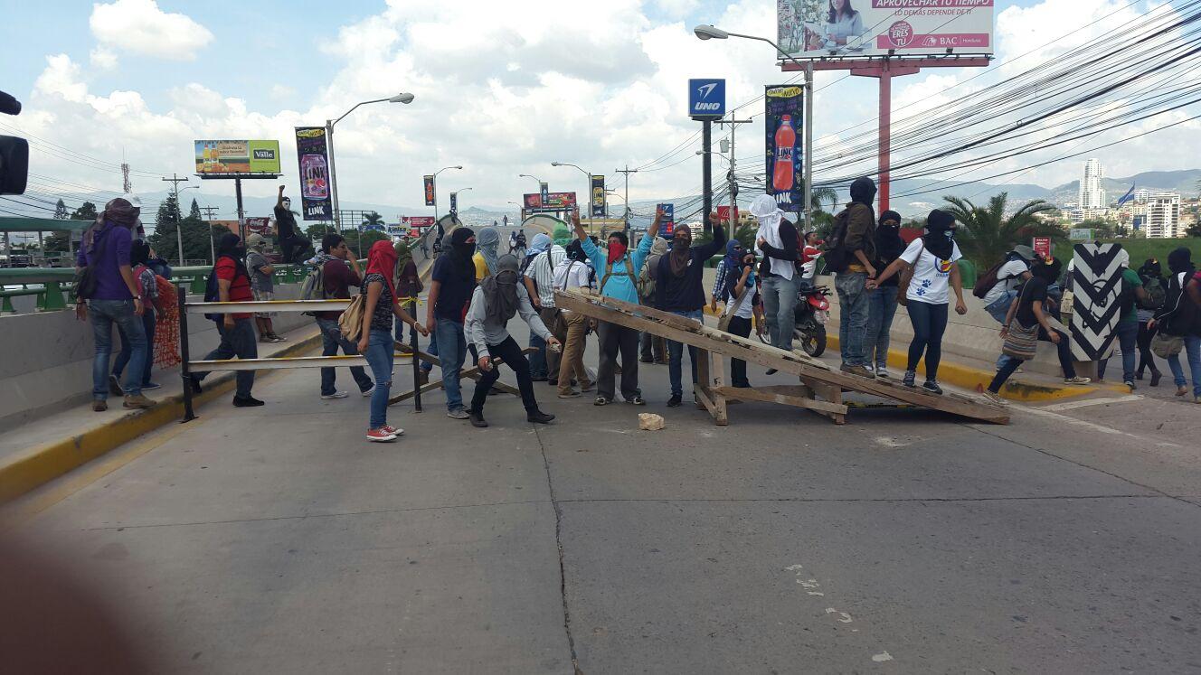 Honduras: Suspenden clases en la UNAH por toma de estudiantes