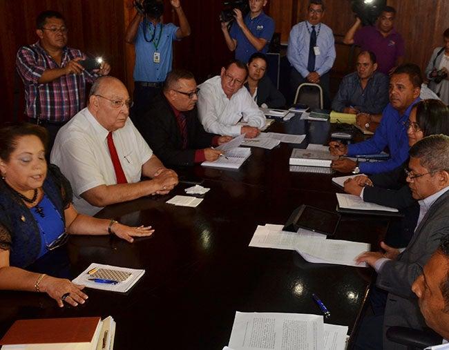Alcaldes de Honduras piden a TSC no hacer escarnio con su imagen