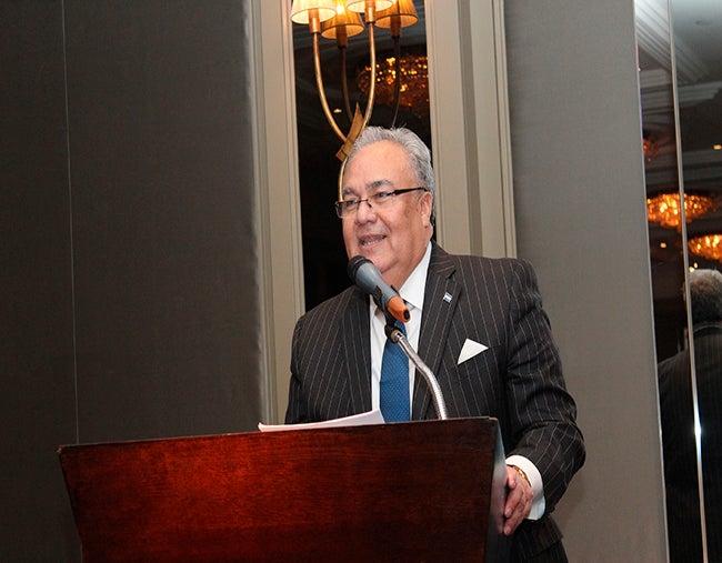 Diplomático hondureño presidió sesiones de la Organización Internacional del Café