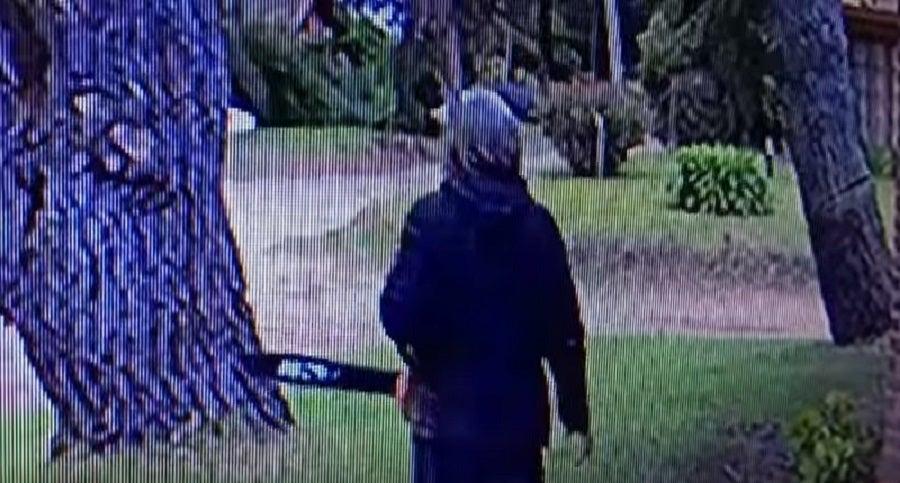 Lo arrestan tras atacar a sus vecinos con una motosierra en Argentina