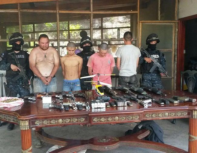 Hombre clave de los Valle escapa a cerco policial; es extraditable