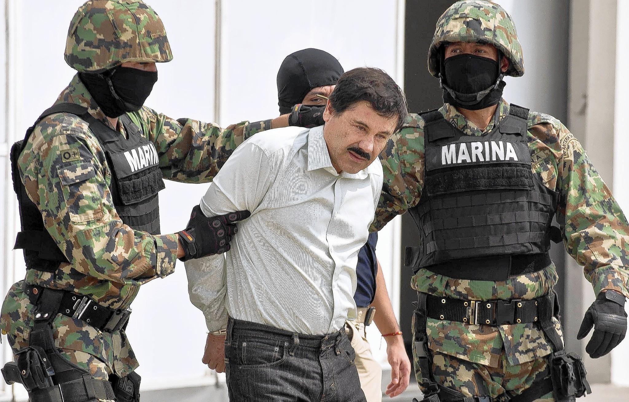 """México: Fiscalía ha incautado casas, aeronaves, armas y droga tras fuga de """"El Chapo"""""""