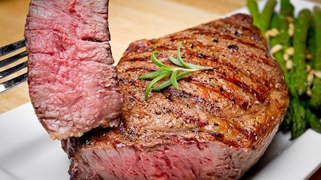 ¿Cómo debemos comer la carne después de la alerta de la OMS?