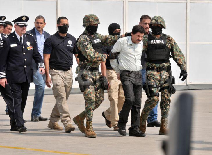 De película: Decomisan avionetas, casas, autos, drogas y armas en la cacería de 'El Chapo'