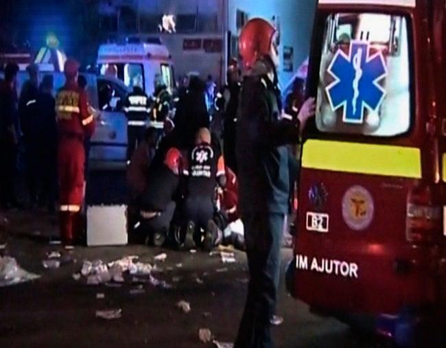 Unos 27 muertos tras una explosión en una discoteca