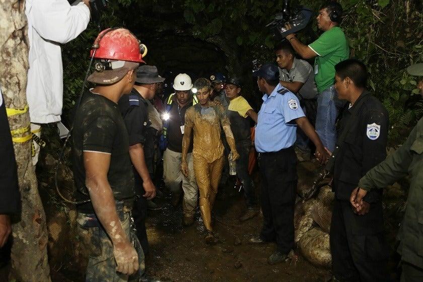 Minera canadiense reinicia operaciones tras protestas que dejaron un policía muerto