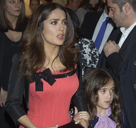 Hija de Salma Hayek hará un regalo muy especial a niños con cáncer en esta Navidad