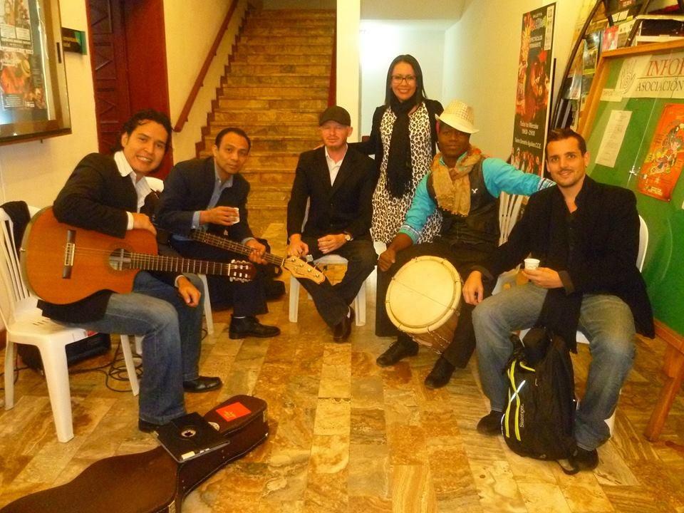 Personalidades del arte y la cultura exponen en la Semana de la Hondureñidad en Ecuador