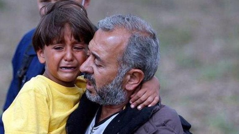Refugiado que fue golpeado por periodista debutará como técnico en España