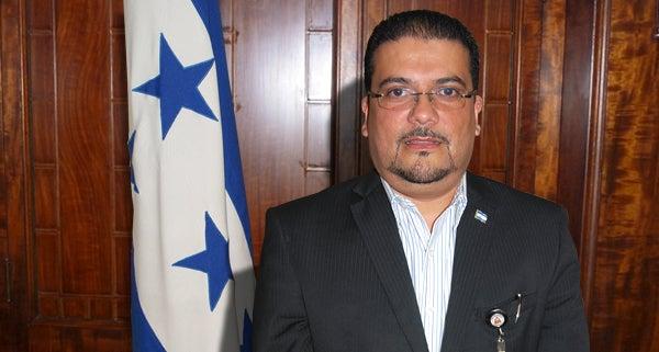 Viceministro de Salud Francis Contreras: «Se investiga primer caso de zika en Honduras»