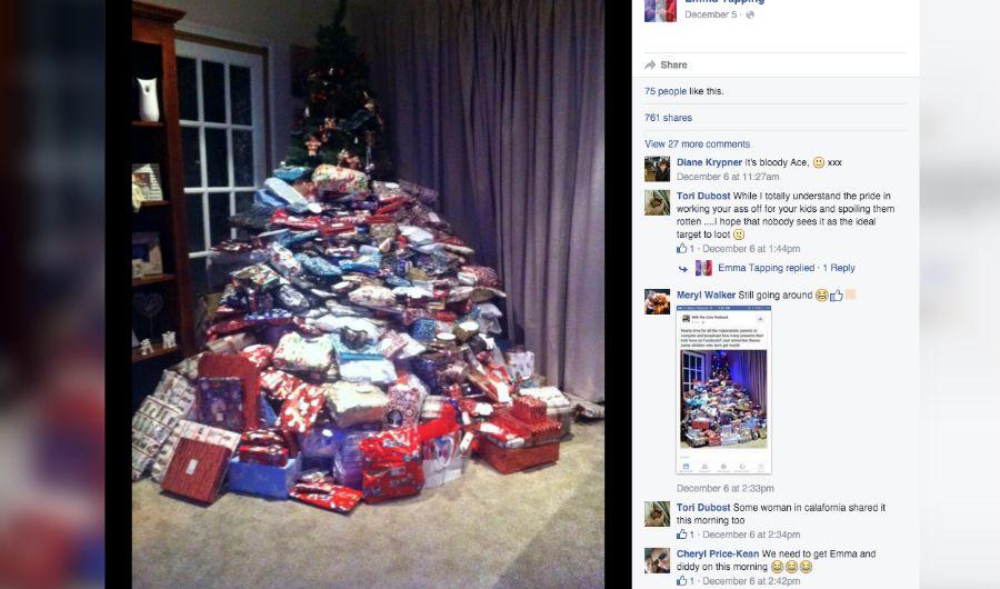 Foto de árbol de Navidad recibe críticas por 'demasiados regalos'
