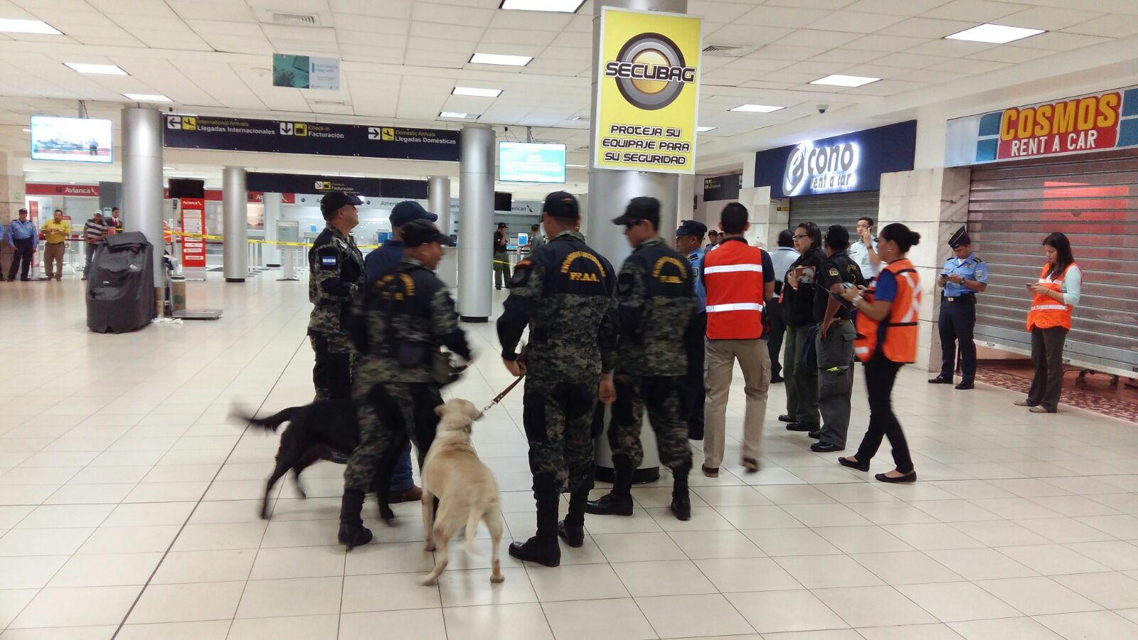 Falsa alarma de bomba puso de correr a viajeros en Toncontín