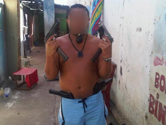 """Recluso venezolano: """"Aquí en la cárcel tenemos más pistolas que barrotes"""""""