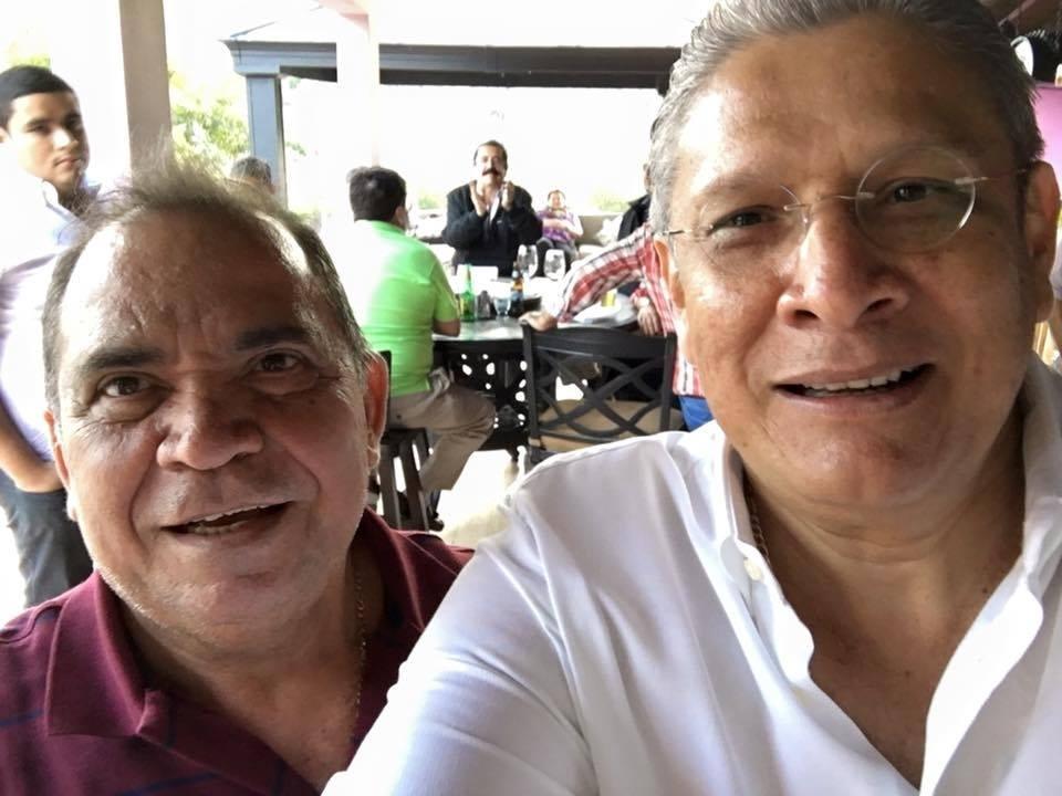 """""""Mel"""" y Esdras coinciden en cumpleaños de David Romero"""