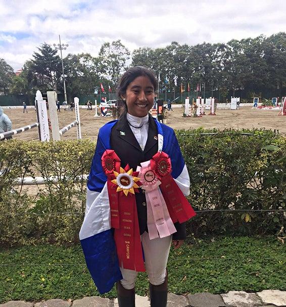 Clarissa Domínguez, la hondureña que pone en alto a su país en competencia de Salto
