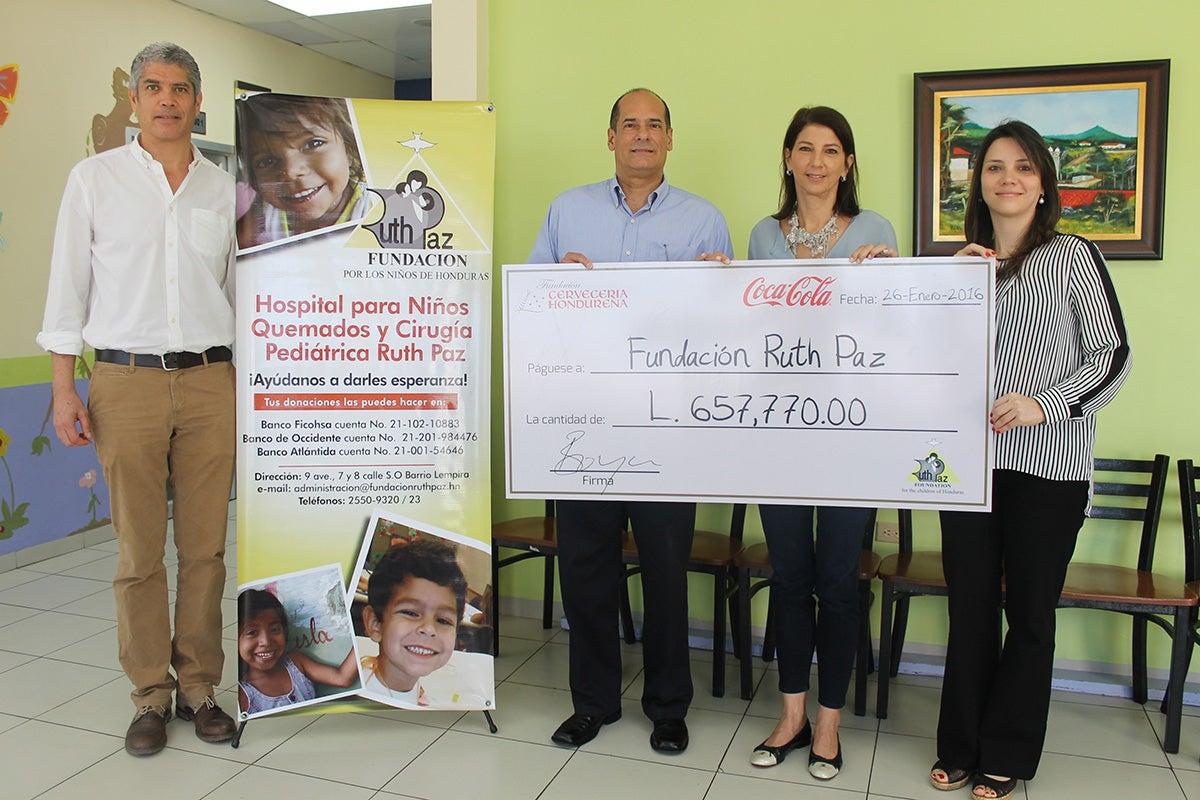 Cervecería dona Lps. 657 mil a la Fundación Ruth Paz